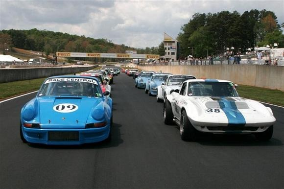 Vintage racecars on the grid prior to the Walter Mitty race start in 2007